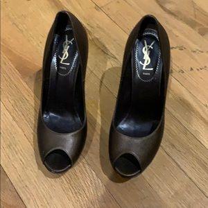 Beautiful open toe shoes
